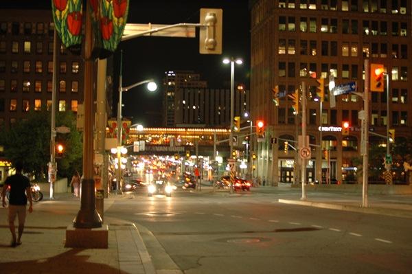 Malam di Ottawa