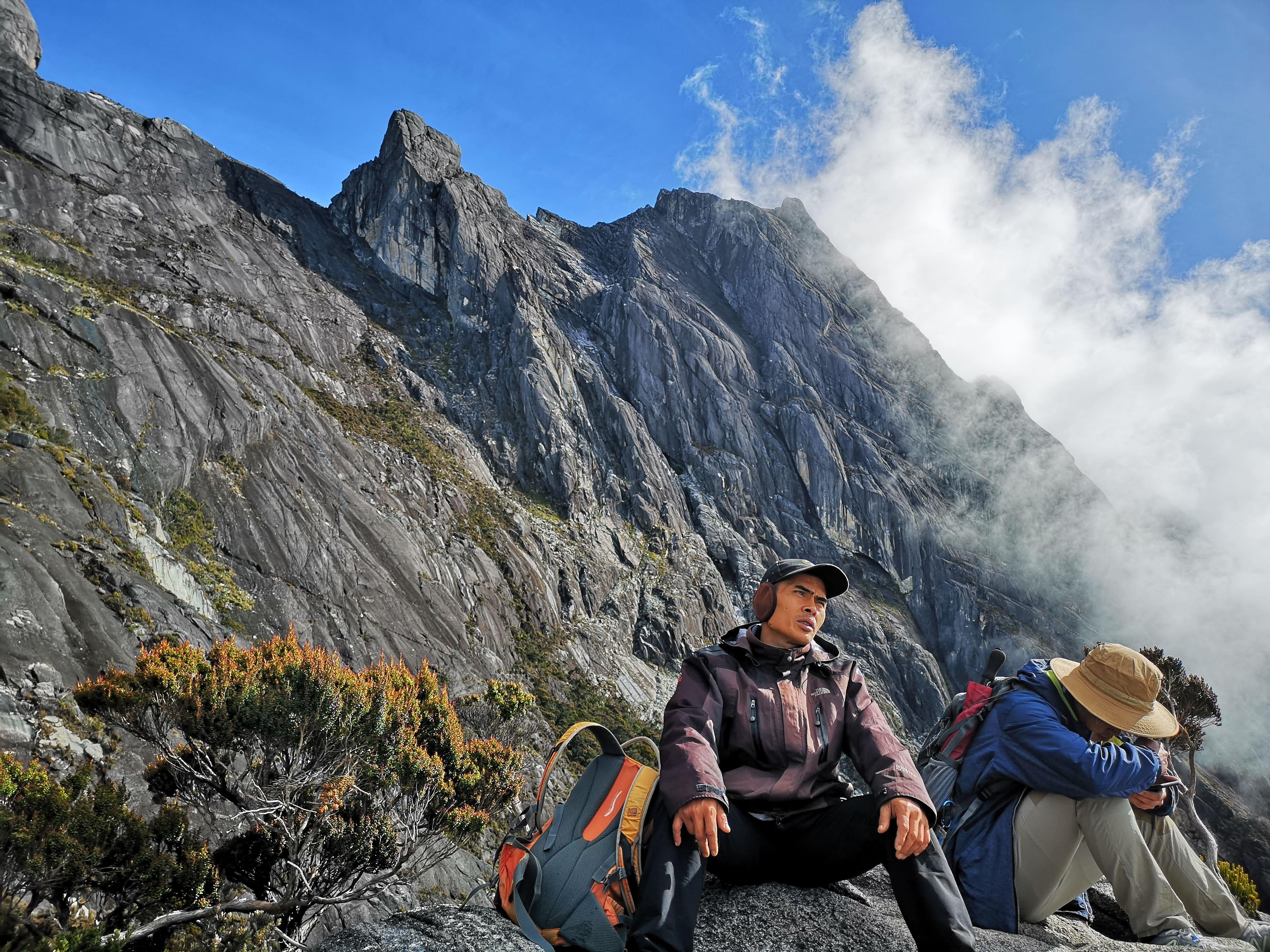 Hendra, salah seorang guide di Kinabalu yang mengawal kumpulan kami