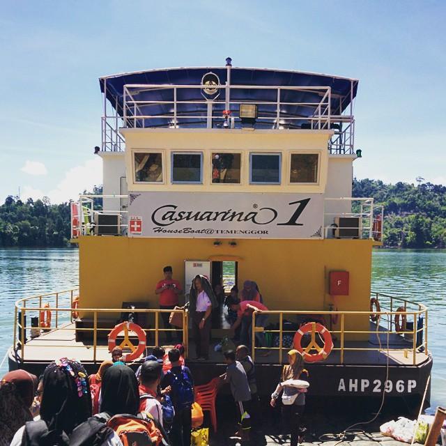 house boat casuarina